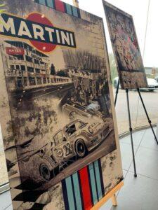 Ausstellung in einer Porsche Garage